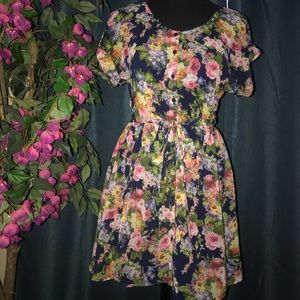 Forever 21 floral chiffon dress Size Small